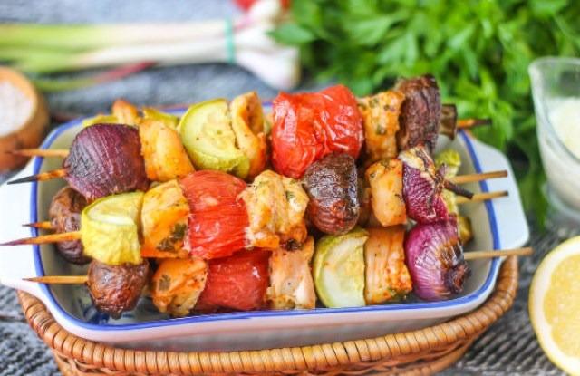 шашлык с грибами и овощами