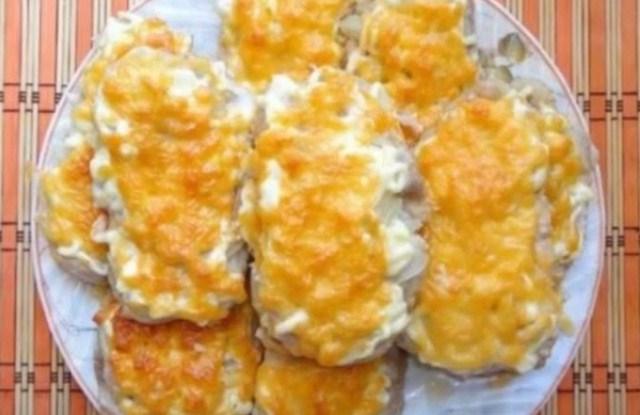 мясо по - французски с луком и сыром