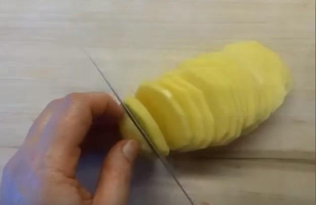 нарезать картофель пластиками