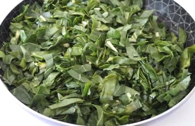 нарезать и потушить шпинат