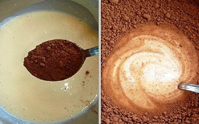 К яичной смеси постепенно добавить какао