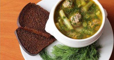 суп с фрикадельками и фасолью