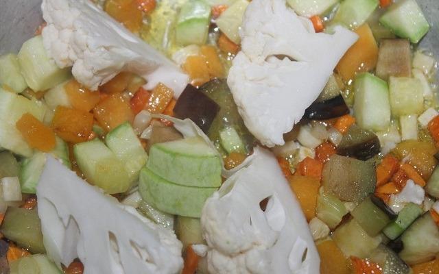 добавить цветную капусту