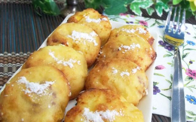 Персиковые сырники, запечённые в духовке с медом и кунжутом
