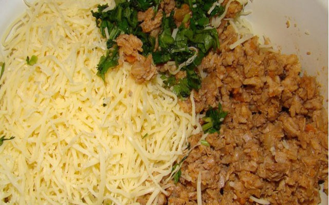 сыр, зажарка и зелень