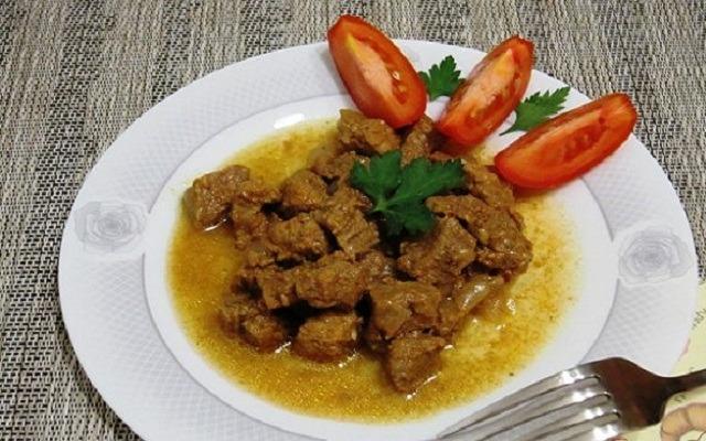 Рецепты приготовления гуляша из говядины с подливкой и овощами