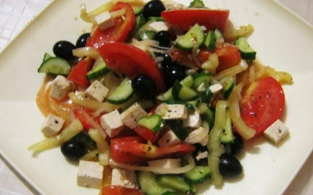 Крестьянский салат по - гречески