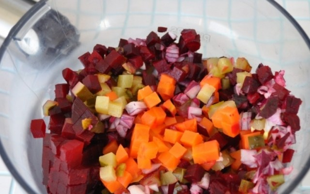 нарезать все овощи