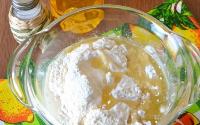 добавить масло и соль