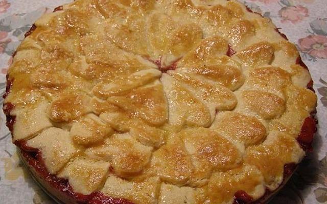 клубничный пирог из песочного теста