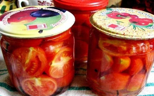 томаты дольками