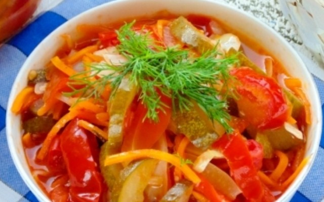 «Кубанский» - салат из огурцов
