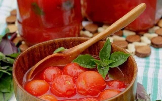 Вкуснейшие помидоры с хреном и чесноком в собственном соку