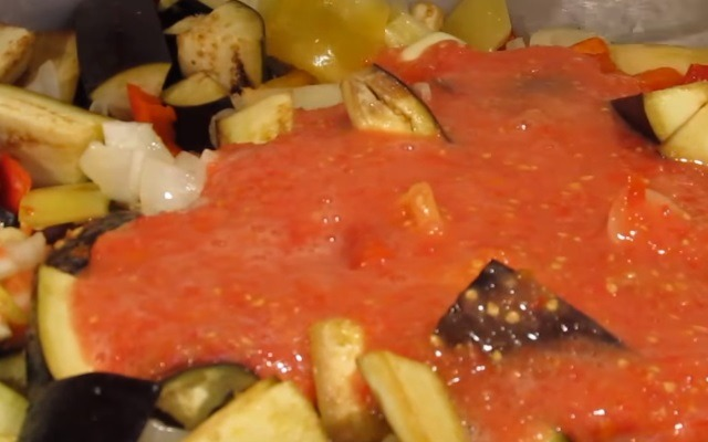Рецепты приготовления лечо из помидор и перца, с баклажанами на зиму