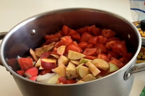 нарезать овощи и яблоки