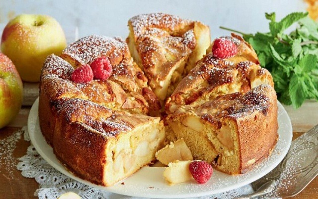 Шарлотка с яблоками – 7 пошаговых рецептов выпечки простого и вкусного пирога