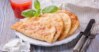 Чебуреки домашние – самые удачные рецепты с  вкусным хрустящим тестом