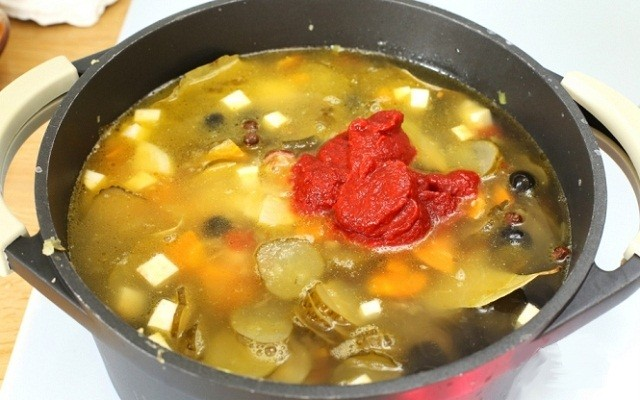 вода, томатная паста