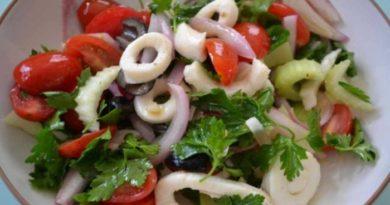 Самый вкусный салат с кальмарами — рецепты приготовления на праздничный стол