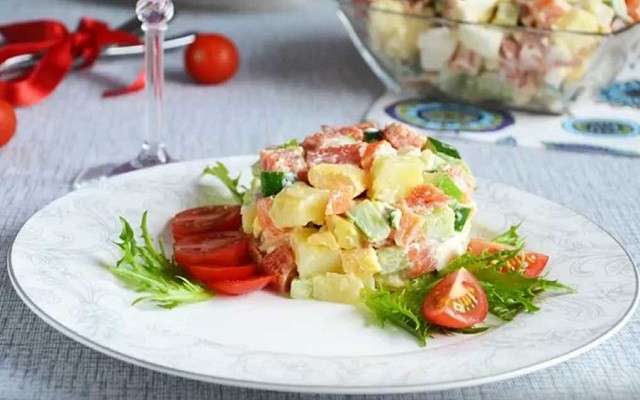 салат с соленой горбушей