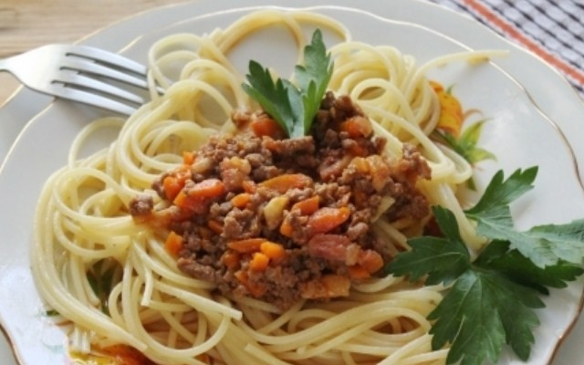 Спагетти болоньезе по классическому итальянскому рецепту