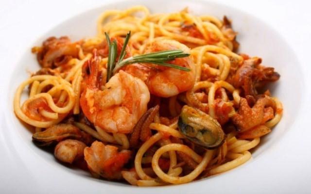 Спагетти по-итальянски с морепродуктами
