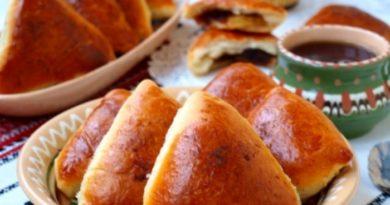 Рецепты выпечки сладких пирожков с яблоками и с ягодами. Тесто для пирожков