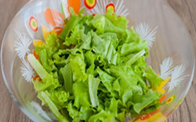 нарвать салат