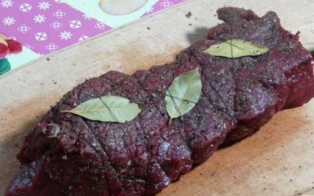 перевязать мясо