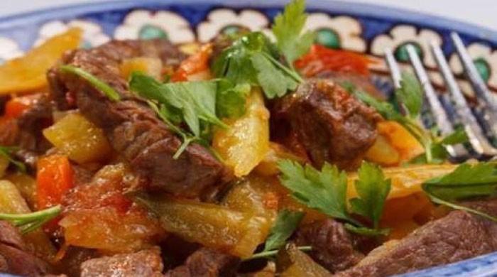 Классические рецепты азу по-татарски с солёными огурцами в домашних условиях