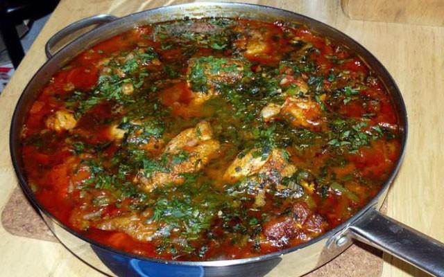 Яичница Тквила чахохбили по-грузински - рецепт пошаговый с фото