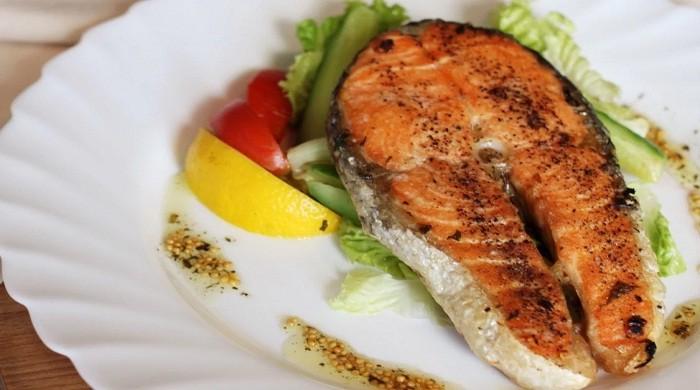 Запечённая в духовке форель — рецепты приготовления вкусной красной рыбы