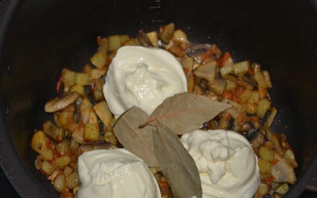 добавить плавленый сыр