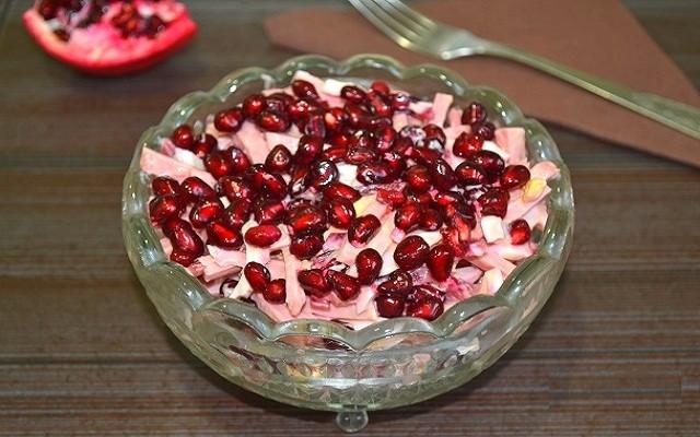 салат из свеклы и граната
