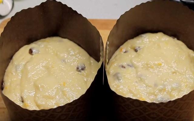 разложить по формам тесто