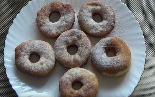 Пышные пончики на молоке