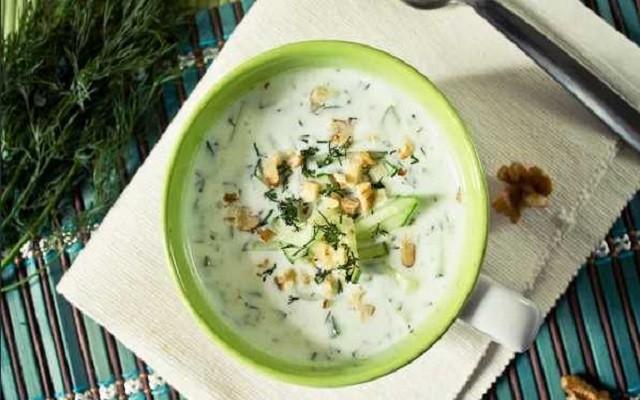 Таратор – холодный болгарский суп с яйцом