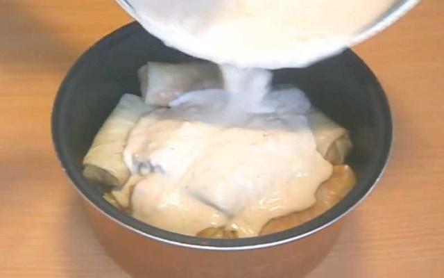залить соусом