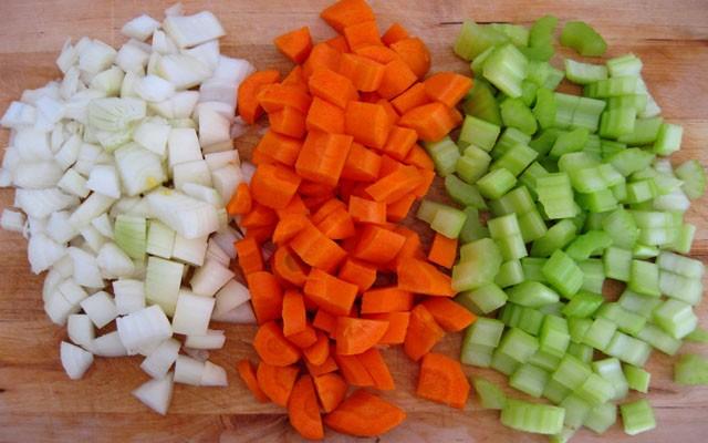 покрошить овощи кубиком