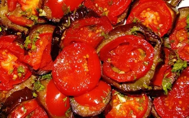 помидоры по-корейски с баклажанами