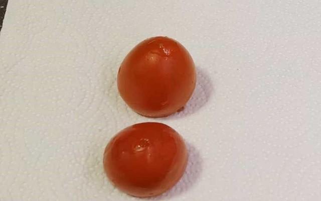 подготавливаем помидоры