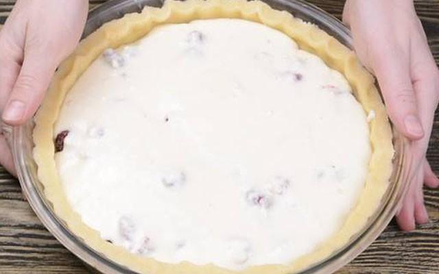 заполнить пирог заливкой