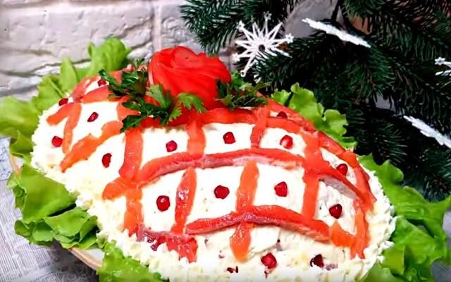 Праздничный салат на Новый год