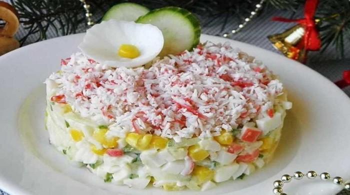 Рецепты салатов с крабовыми палочками, приготовленными на праздничный стол, Новый год 2020