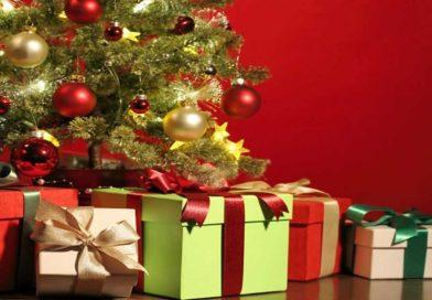 Что подарить на Новый год — идеи подарков любимым женщинам, мужчинам, что сделать своими руками, сладкие подарки