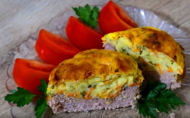 Картофель с сыром и мясом