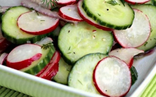летний салат из редиса