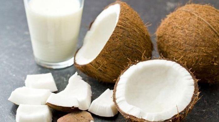 Приготовление кокосового молока и стружки в домашних условиях из мякоти ореха